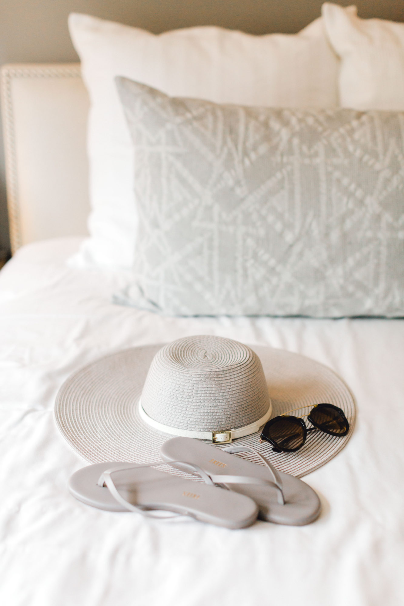PACKING FOR SUN – CHIC & STYLISH, NOT TRENDY & UNCOMFORTABLE